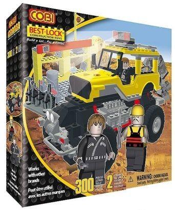 04557673 - Yellow monster truck