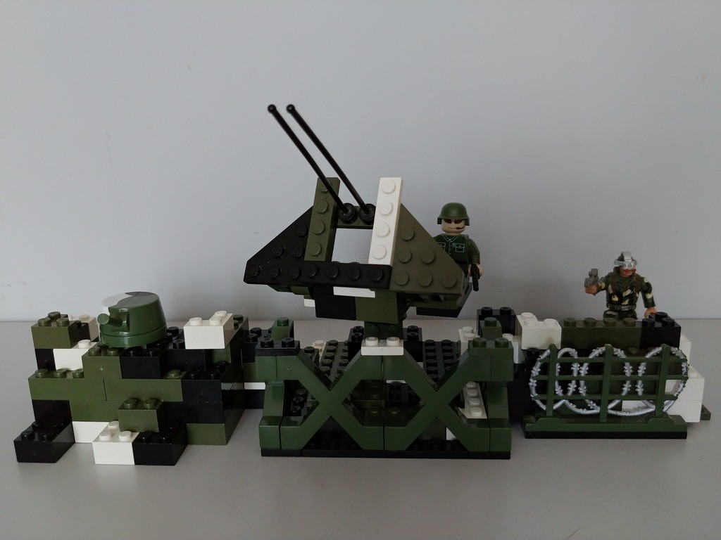 1162 - Anti aircraft gun post